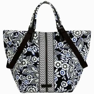 Vera Bradley Change it Up Tote in Snow Lotus